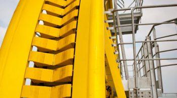 Photo industrielle offshore Appareil servant à poser des pipes Lines  -  - jour J de la livraison sur bateau pour une traversée de l'Atlantique, destination RIO. Reportage indsutriel. Photographe industriel Offshore pétrolié  La Rochelle-France